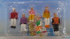 6 Figuren sitzend mit Snowboard