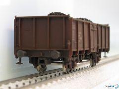 Offener Güterwagen DR gealert mit Ladung Kohle