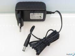 A011 Netzgerät Input 100-240 V~ Output 12 V= 1000 mA